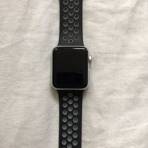 Accessories - Silver aluminum Apple Watch series 3 38mm